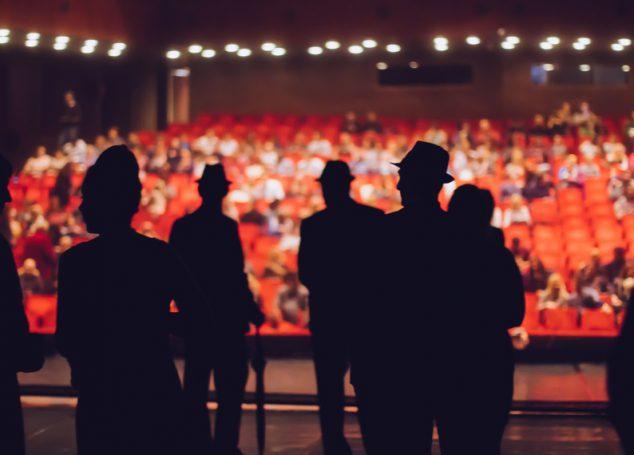 Traduzione letteraria di canzoni per opere teatrali dal gusto musicale